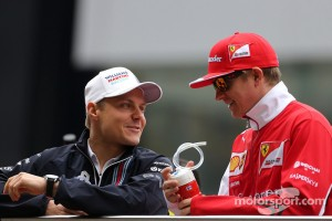 Valtteri Bottas (FIN), Williams F1 Team and Kimi Raikkonen (FIN), Scuderia Ferrari  20.04.2014. Formula 1 World Championship, Rd 4, Chinese Grand Prix, Shanghai, China, Race Day. - www.xpbimages.com, EMail: requests@xpbimages.com - copy of publication required for printed pictures. Every used picture is fee-liable. © Copyright: Charniaux / XPB Images