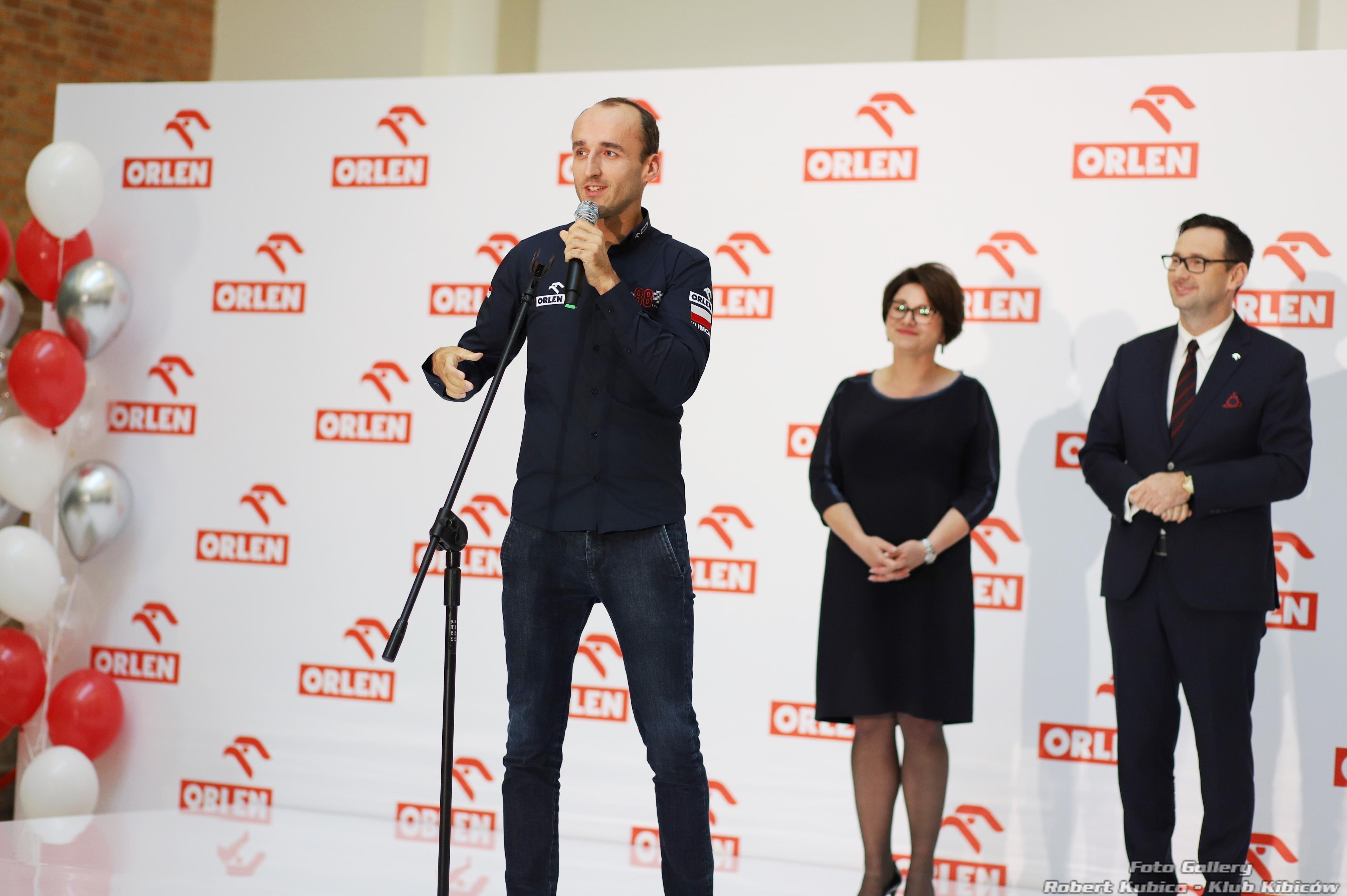 Robert Kubica rozdaje nagrody Orlenu